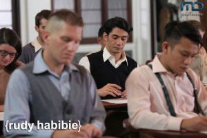 adegan film Rudy Habibie. foto : MD Pictures